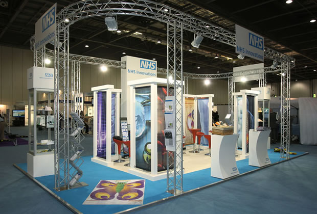 Exhibition Stand Lighting Zone : Lighting gantry aluminium truss trilite aspect