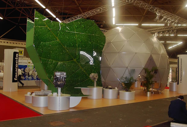 Unique Meroform Exhibition Stand with green leaf